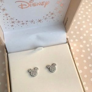 Disney• Mickey Mouse earrings